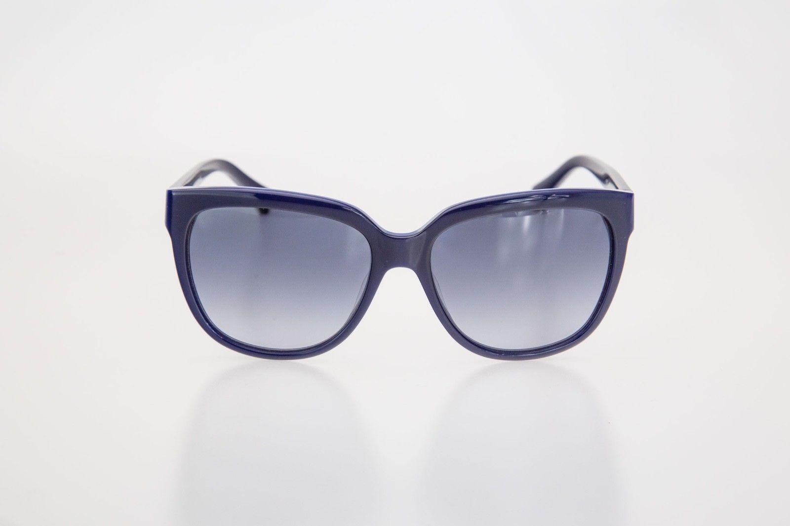 differently 88e1d b4352 Occhiali da Sole Calvin Klein Donna 4260S